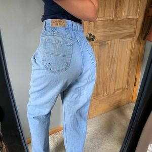 Vintage Light Wash Mom Style High Rise Jeans